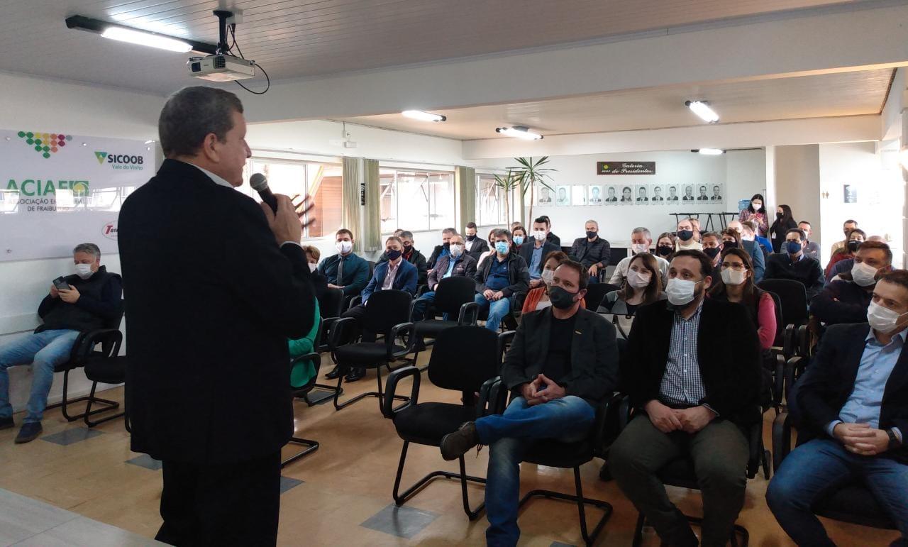 Secretário de Estado participa de reunião na ACIAF